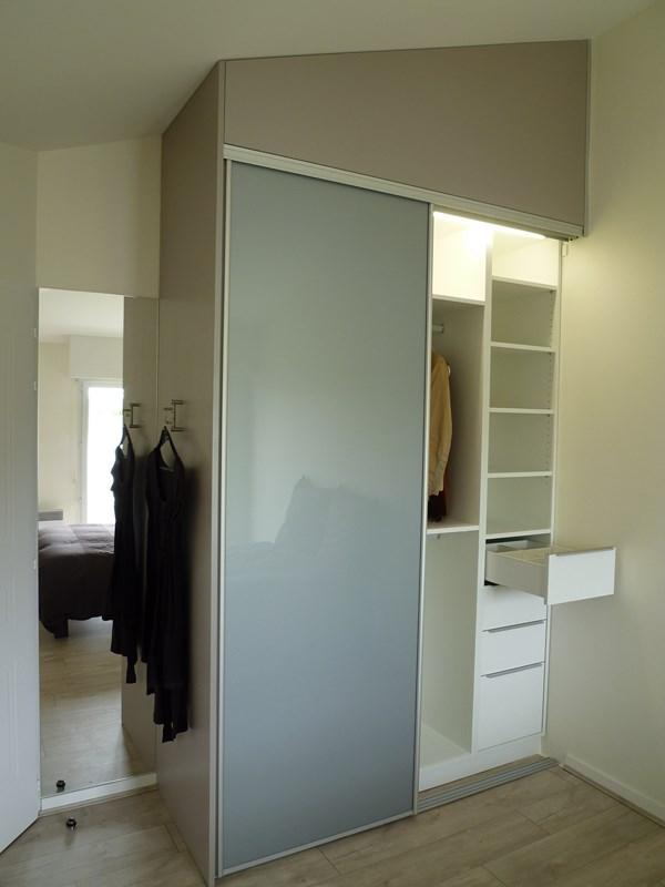 eclairage interieur placards. Black Bedroom Furniture Sets. Home Design Ideas